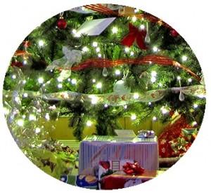 Christmas tree button. Christmas tree pin-back button, Christmas buttons